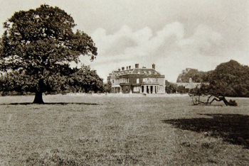 Ickwell Bury from the south in 1924 [AD1147/16]